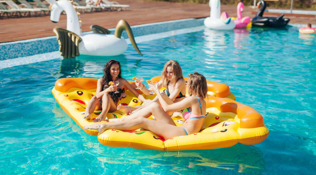 sexy-girls-on-summer-party-in-the-pool-1024x568